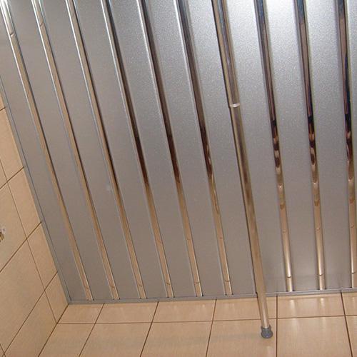 Комплект реечного потолка 1.72х1.7 серебро металлик + хром зеркальный